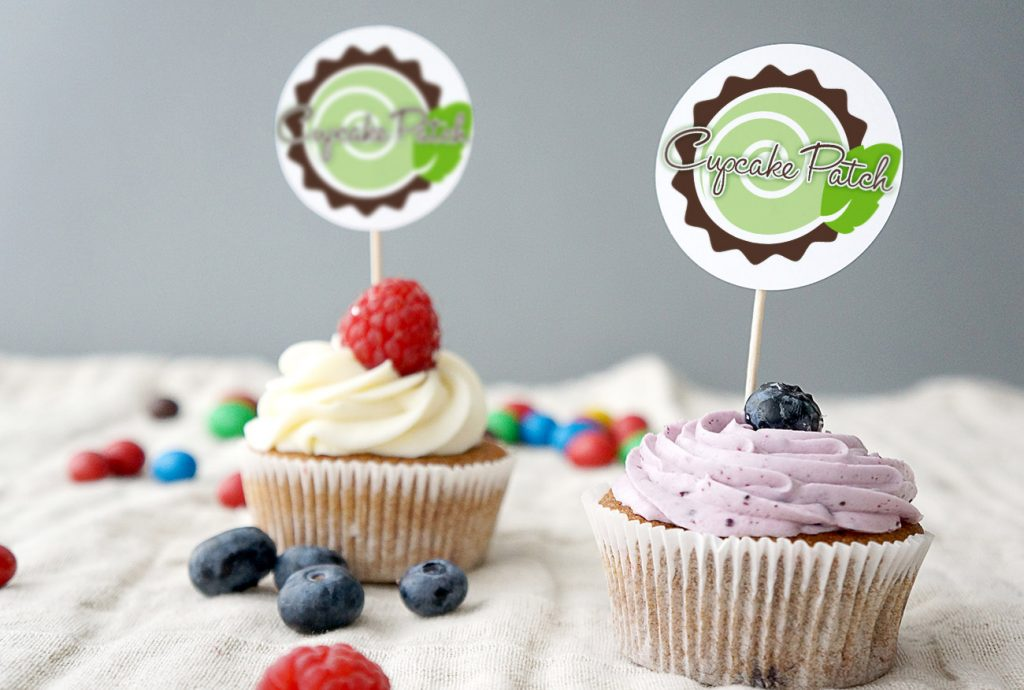 cupcakes with tags